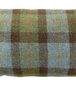 Harris-Tweed-Rectangular-Cushion-with-Velvet-Back-Tartan-Colour-Made-in-Scotland-by-Glen-Appin-0
