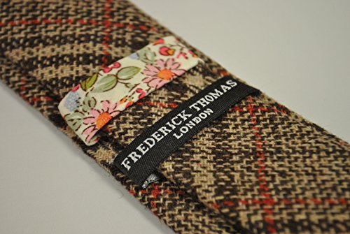 b835ea5e6fc2 Frederick Thomas brown and red checked 100% tweed wool tie. Amazon.co.uk ...