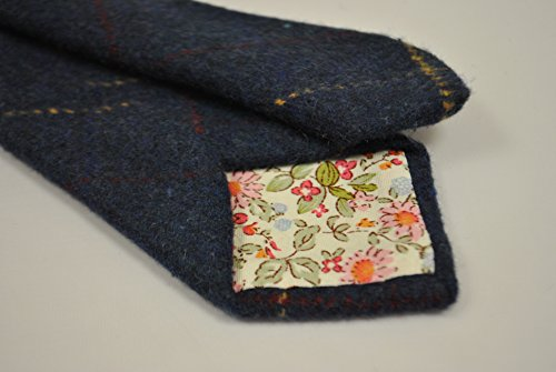 ef13678b65de Frederick Thomas navy blue, red and gold checked 100% tweed wool mens  designer tie. Amazon.co.uk ...